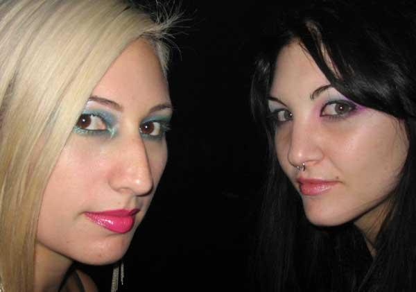 twogirlsIMG_2578.jpg