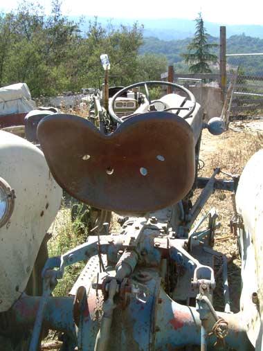 tractorseatDSCN0432.jpg